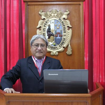Dr. Adolfo Valencia Gutiérrez